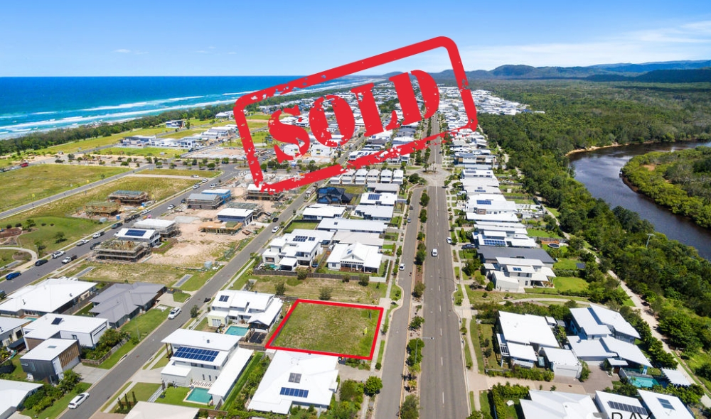 SOLD 317 Casuarina Way