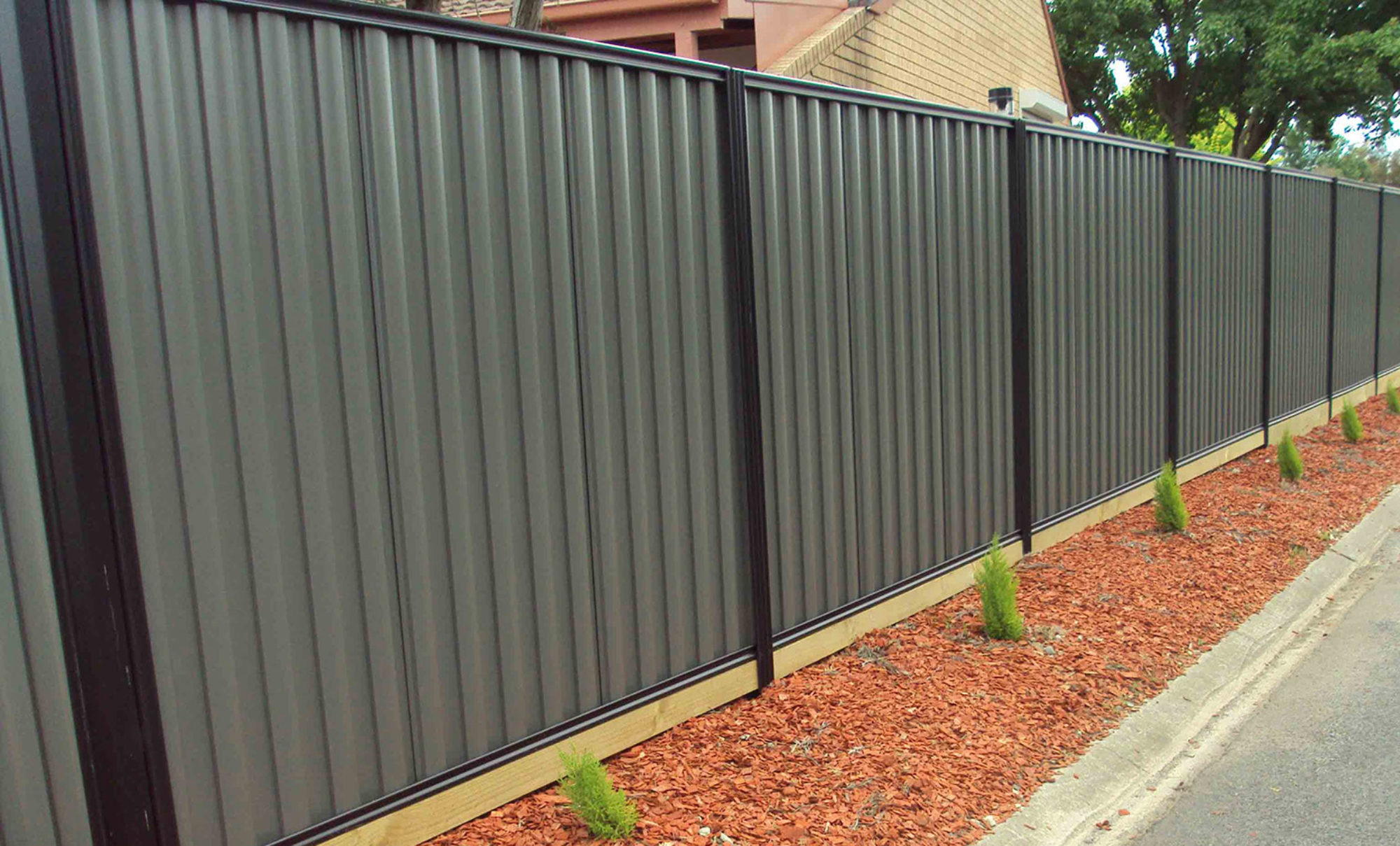 How To Maintain Your Metal Fence